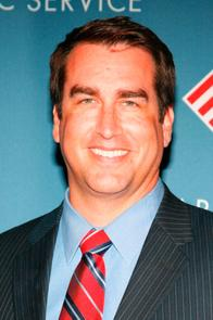 Rob Riggle Picture