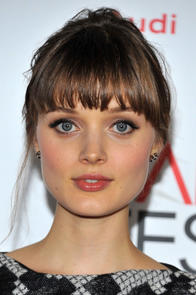 Bella Heathcote Picture