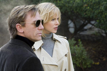 Daniel Craig and Nicole Kidman in &quot;The Invasion.&quot;
