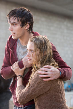 Nicholas Hoult and Teresa Palmer in &quot;Warm Bodies.&quot;