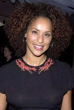 "Karyn Parsons at the premiere of ""The Ladies Man."""