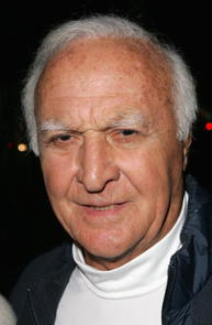 Robert Loggia Picture