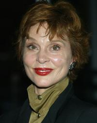 Leigh Taylor-Young Picture