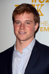 Jonny Weston Picture