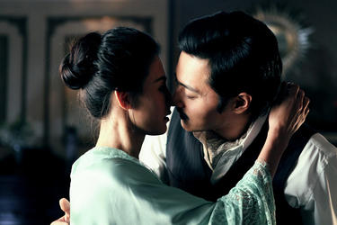 "Cecilia Cheung and Jang Dong-gun in ""Dangerous Liaisons."""