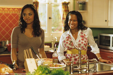 "Sharon Leal and Regina King in ""This Christmas."""