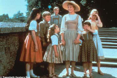 Angela Cartwright as Brigitta, Duane Chase as Kurt, Kym Karath as Gretl, Nicholas Hammond as Friedrich, Julie Andrews as Maria, Debbie Turner as Marta and Heather Menzies as Louisa in ``The Sound of Music.''