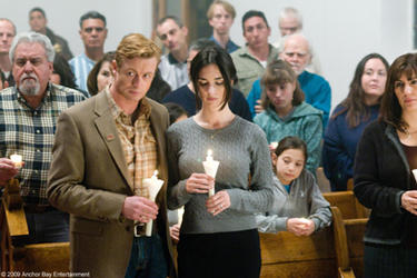 "Simon Baker as Jack Bishop and Paz Vega as Amaya in ""Not Forgotten."""
