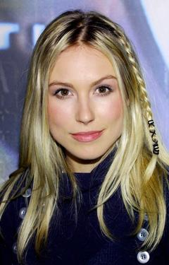 Sarah Carter at the WB Network's 2003 Winter Party.