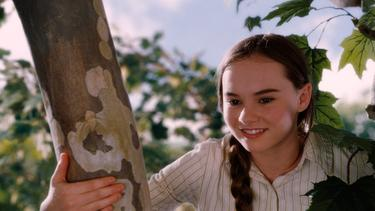 "Madeline Carroll as Juli Baker in ""Flipped."""