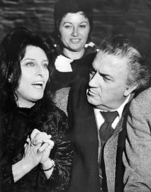 "Federico Fellini and Anna Magnani on the sets of the movie ""Roma""."