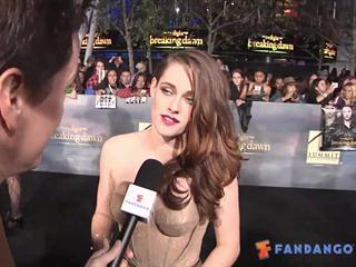 Exclusive: The Twilight Saga: Breaking Dawn - Part 2 - Premiere - Click to play