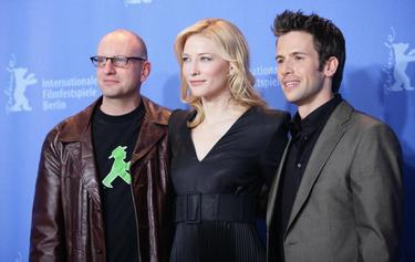 "Steven Soderbergh, Cate Blanchett and Christian Oliver at the photocall for the movie ""The Good German"" on the second day of the 57th Berlinale Film Festival."