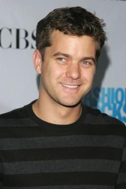 Joshua Jackson at the Conde Nast Media Group's Third Annual Fashion Rocks Concert.