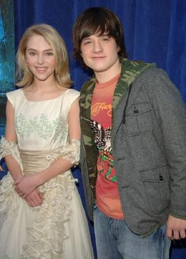 "AnnaSophia Robb and Josh Hutcherson at the premiere of ""Bridge To Terabithia."""