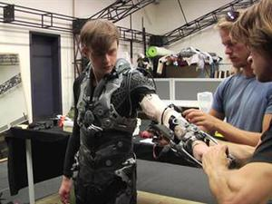 The Amazing Spider-Man 2: Behind The Scenes At Weta Workshop Featurette