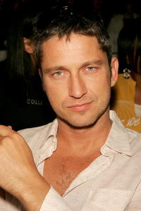 Gerard Butler at the Naqada Fall 2005 show in Culver City, California.