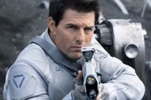 Tom Cruise Patrols a Post-Apocalyptic Earth in First 'Oblivion' Trailer