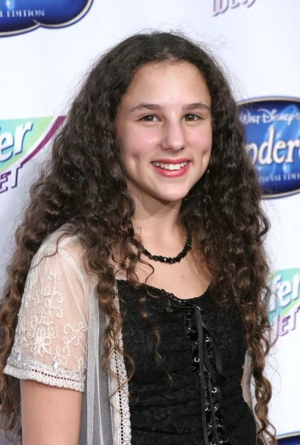 hallie eisenberg height weight-#6