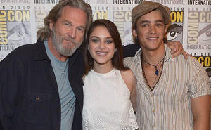 Comic-Con 2014: Jeff Bridges and Brenton Thwaites Talk 'The Giver'