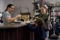 Clifton Collins Jr. and Amy Adams in