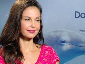 Exclusive: Dolphin Tale 2 - The Fandango Interview