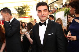 Alfonso Cuarón, Oscar Isaac and Eugenio Derbez Get Personal at Golden Globes Red Carpet (Video)