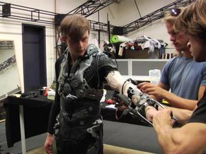 The Amazing Spider-Man 2: Behind The Scenes At Weta Workshop Featurette