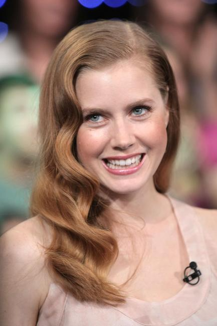 Amy Adams at the MTV's Total Request Live.