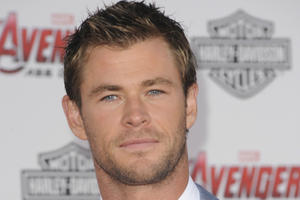 News Briefs: Chris Hemsworth Joins New 'Ghostbusters'; 'Pitch Perfect 3' Is Indeed on Its Way