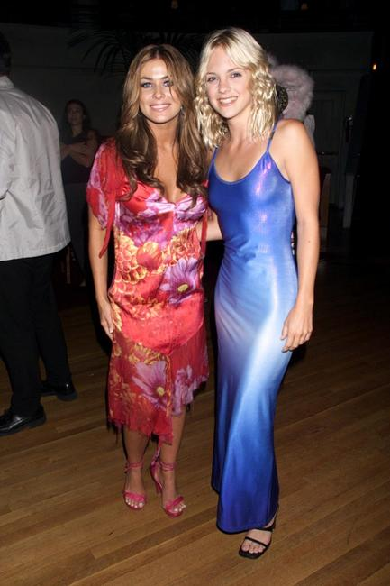 Photo of Anna Faris & her friend actress  Carmen Electra - Scary Movie