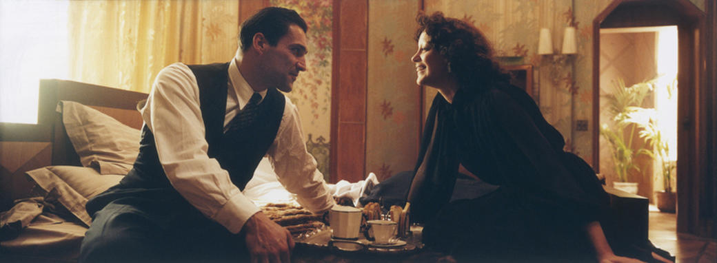 Marcel Cerdan (Jean-Pierre Martins) and Edith Piaf (Marion Cotillard) in