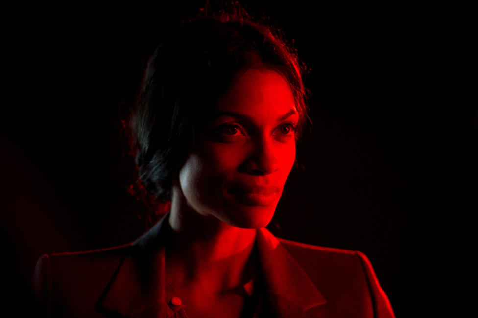Rosario Dawson as Elizabeth in