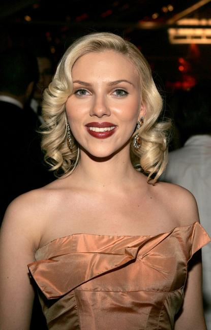 Scarlett Johansson at the Miramax 2005 Golden Globes after party.