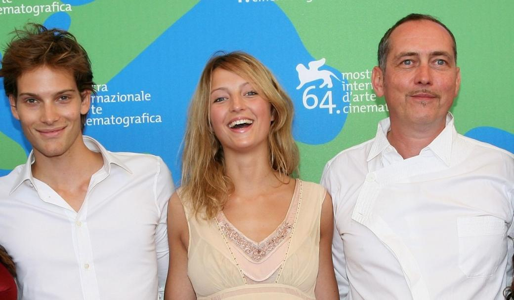 Andy Gillet, Stephanie de Crayencour and Serge Renko at the photocall of
