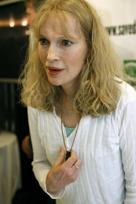 Mia Farrow at the National Press Club for news conference Save Darfur Coalition.