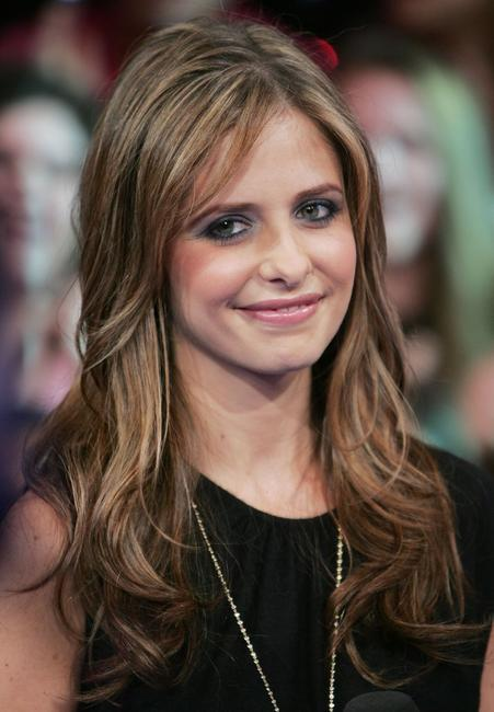 Sarah Michelle Gellar at the MTV's Total Request Live.