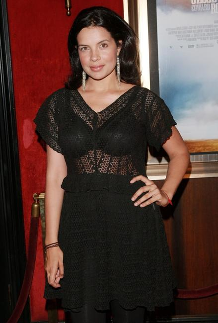 Zuleikha Robinson at the premiere of