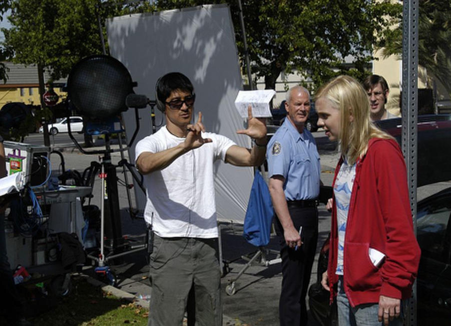 Director Gregg Araki and Anna Faris on the set of