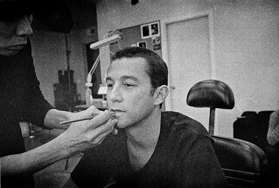 Joseph Gordon-Levitt on the set of