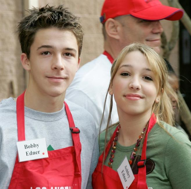 Bobby Edner and Ashley Edner at the Los Angeles Mission's Christmas meal for the homeless.