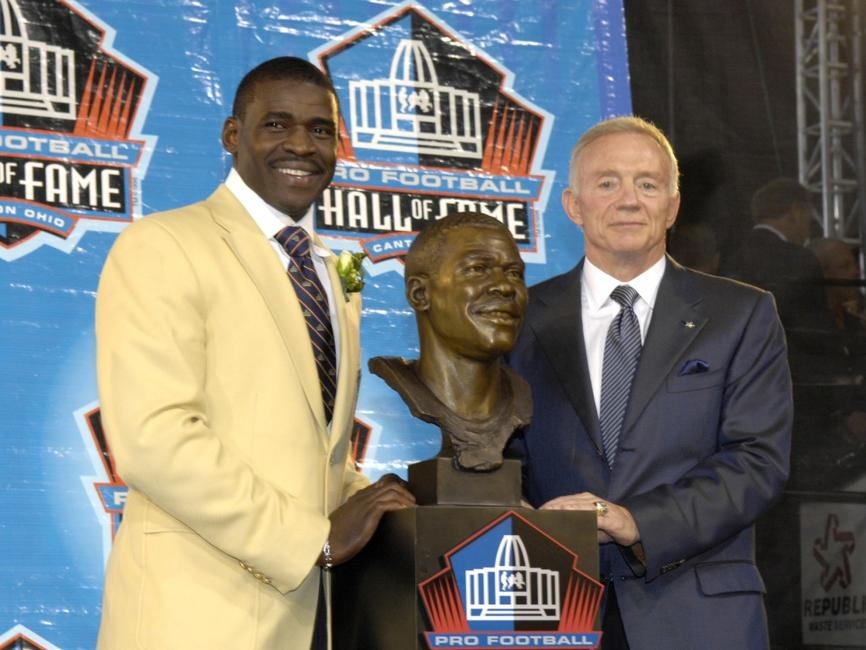 Michael Irvin and Jerry Jones at the Class of 2007 Pro Football Hall of Fame Enshrinement Ceremony.