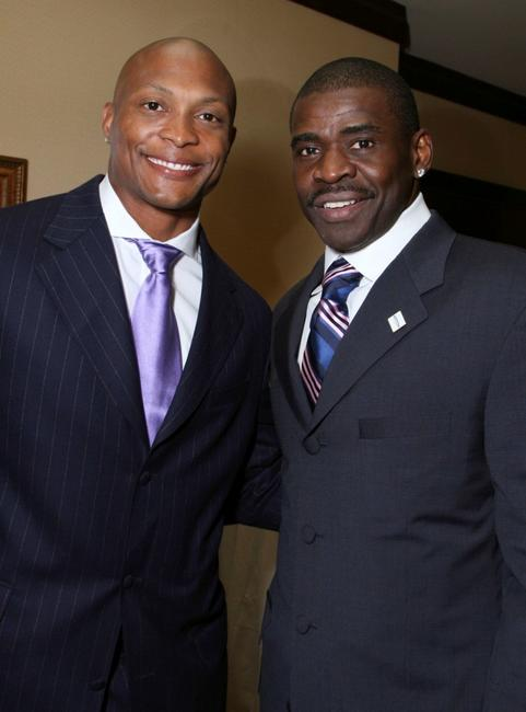Eddie George and Michael Irvin at the 22nd Annual Cedars-Sinai Sports Spectacular.
