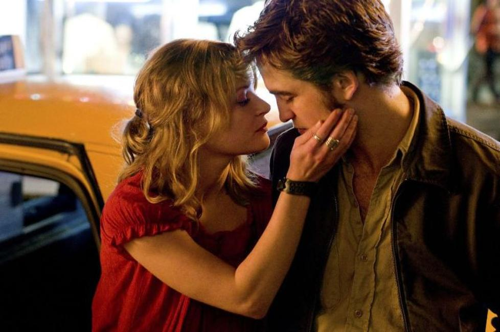 Emilie de Ravin and Robert Pattinson in