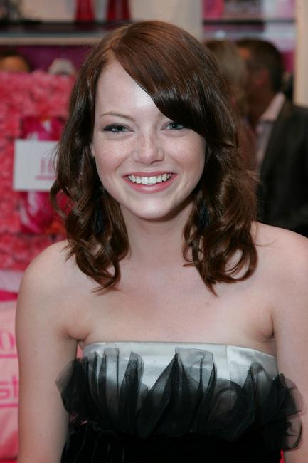 Emma Stone at the Decadestwo and Hautelook.com