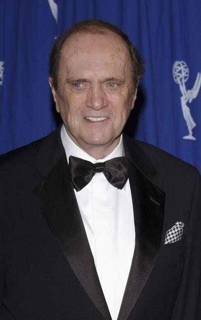 Bob Newhart poses backstage at the 2004 Primetime Creative Arts Emmy Awards.