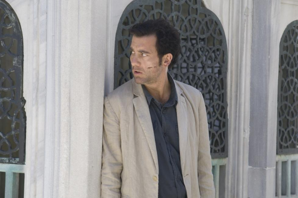 Clive Owen as Louis Salinger in