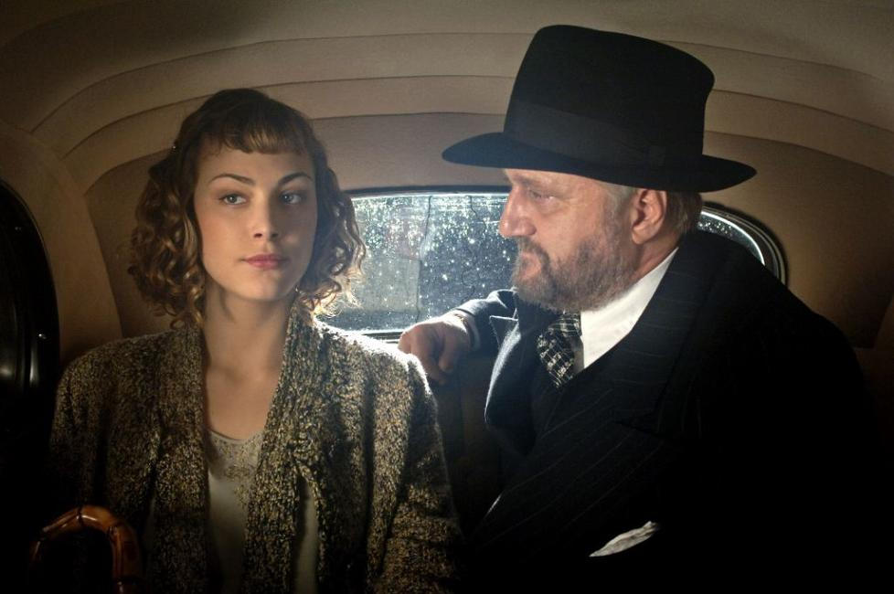 Nora Arnezeder as Douce and Bernard-Pierre Donnadieu as Galapiat in