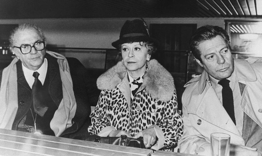 Federico Fellini, Giulietta Masina and Marcello Mastroianni at the Rome press conference of their film