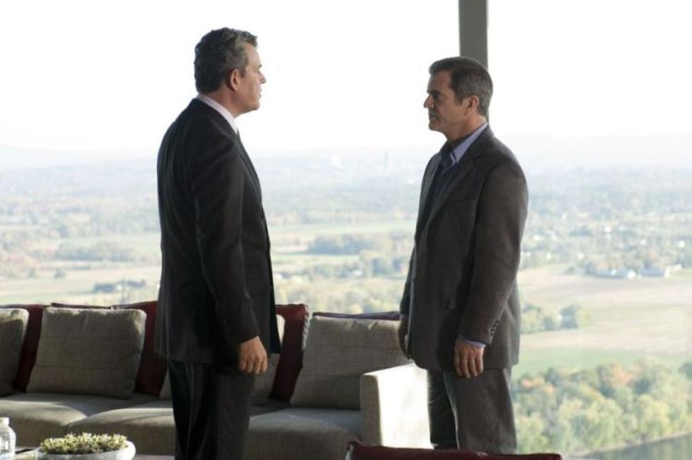 Danny Huston as Jack Bennett and Mel Gibson as Thomas Craven in